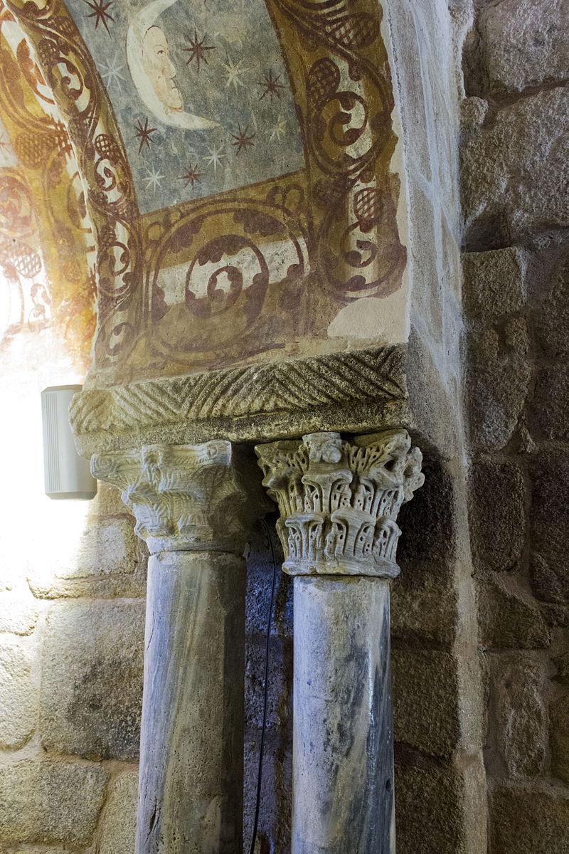 Santa_Comba_de_Bande-_Arco_cruzeiro_(14732550753)