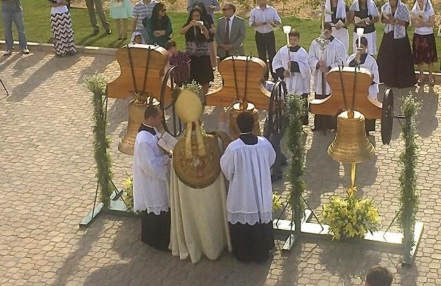 Resultado de imagen de bendicion de campana