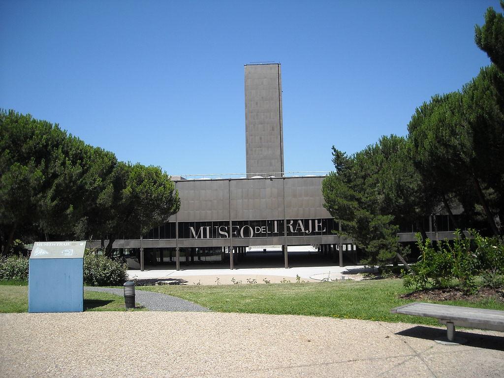 1024px-Museo_del_Traje